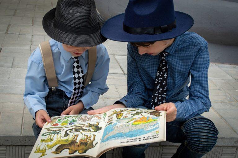 boys, book, read-6279146.jpg